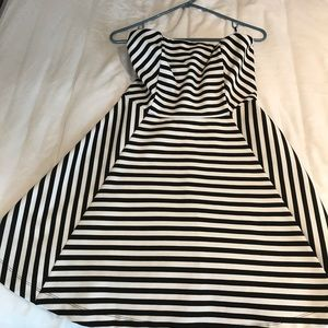 Express black and white strapless sun dress size 6